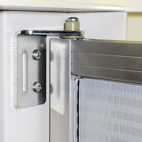 Series 9 Swing Mirror Door Daiek Door Systems